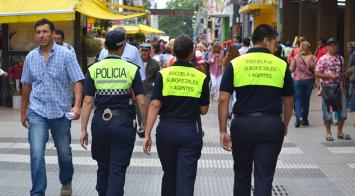Aspirantes a la Policía se suman a tareas de prevención