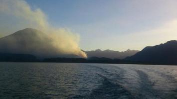 Chubut: avanzan descontrolados los incendios forestales en la cordillera