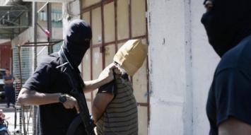 Hamas ejecutó en una plaza a 18 palestinos acusados de