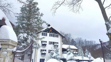 Avalancha de nieve cubre hotel en Italia donde habría 20 personas