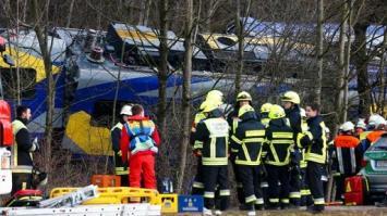 Un choque de trenes en Alemania causó nueve muertos