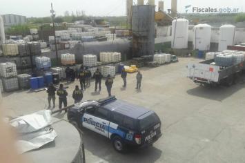 Tucumán: allanamientos, detenciones y hallazgo de 4000 litros de precursores químicos