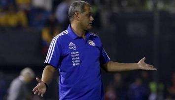 Paraguay cambiaría medio equipo para jugar con Argentina