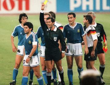 El árbitro de la final del Mundial de Italia 1990 se quedó sin trabajo
