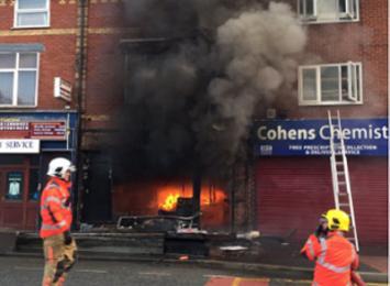 Una gran explosión sacude un café en Manchester