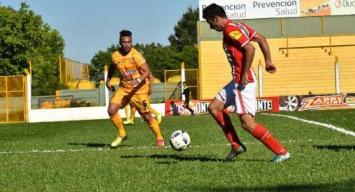 San Martín perdió 3 a 0 ante Crucero del Norte en Misiones y no encuentra el rumbo