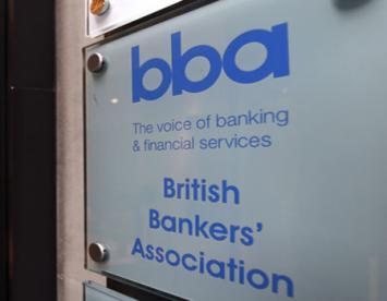 Por el Brexit los grandes bancos dejarán el Reino Unido