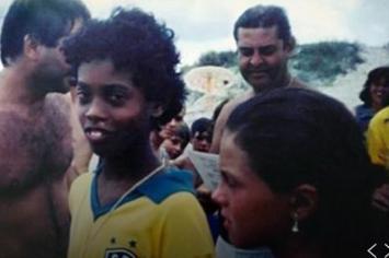 """Ronaldinho conmueve hasta las lágrimas con su """"Carta a mi yo más joven"""""""