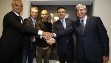 Mascherano renovó su contrato con Barcelona