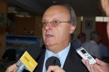 El intendente de Comodoro y concejales bajan sueldos para pago a empleados