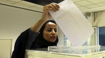 El presidente iraní instó a las mujeres a participar en política