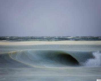 Hizo tanto frío en EEUU que se congelaron hasta las olas