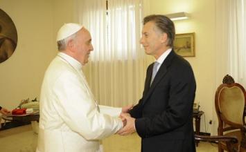 Fuerte cruce entre el entorno del Papa y el Gobierno