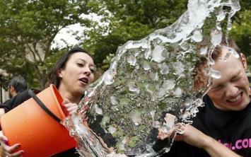 Con el #IceBucketChallenge sólo se recaudaron 1000 pesos en la Argentina