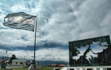 """Londres envió """"colimbas"""" a las Malvinas ante las deserciones de militares profesionales"""