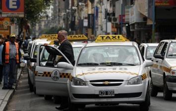 Robó y escapó en un taxi