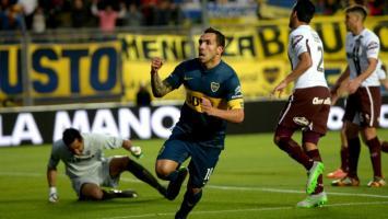 Los goles de Tevez y las manos de Sara metieron a Boca en cuartos de la Copa Argentina