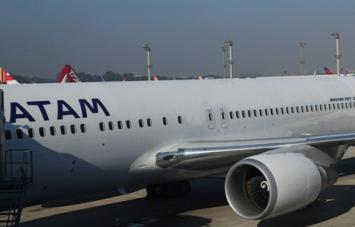 Un problema eléctrico obligó a un avión con tucumanos a hacer un aterrizaje de emergencia