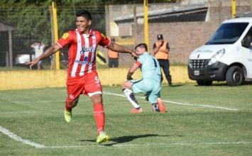 San Martín logró imponerse como visitante ante Flandria con dos goles de Ramón Lentini