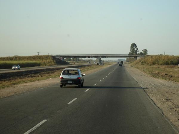 Vuelco fatal en la autopista a Famaillá