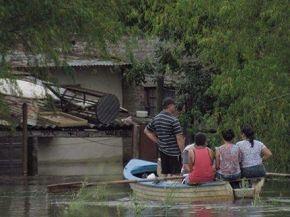 Diez ciudades bajo el agua y más de 500 evacuados por las lluvias en Santa Fé