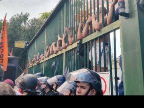 Violenta represión a trabajadores de una imprenta del Grupo Clarín