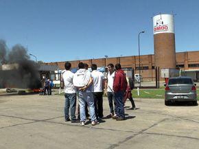 Bimbo despide trabajadores y cierra lineas de producción