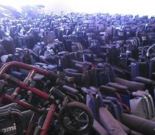 16 mil sillas de ruedas oxidándose en galpones del PAMI