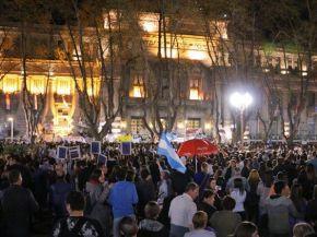 Multitudinaria marcha en Rosario pidiendo seguridad y justicia