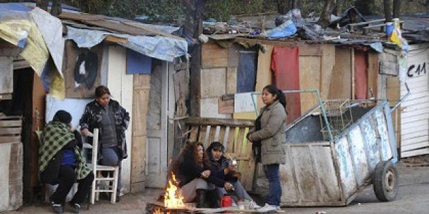 Una familia necesita $12.489 para no ser pobre