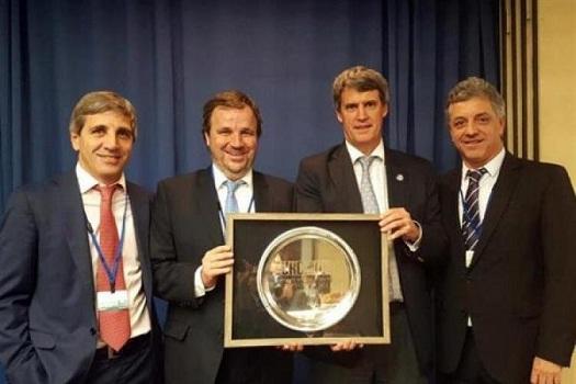 """Prat Gay fue elegido """"Ministro de Finanzas del año"""", el mismo premio que recibió Cavallo en 1992"""