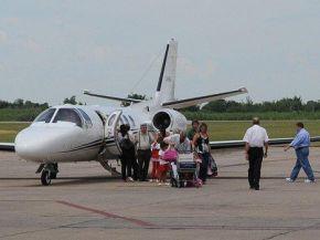 Cano anunció que venderá el avión de Alperovich