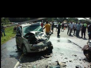 Impactante choque entre dos autos en la ruta 307: hay varios heridos