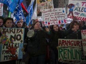 """Según el Financial Times, """"el malestar social amenaza las reformas"""" de Macri"""