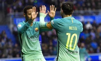 El Barça goleó al Alavés y sigue prendido