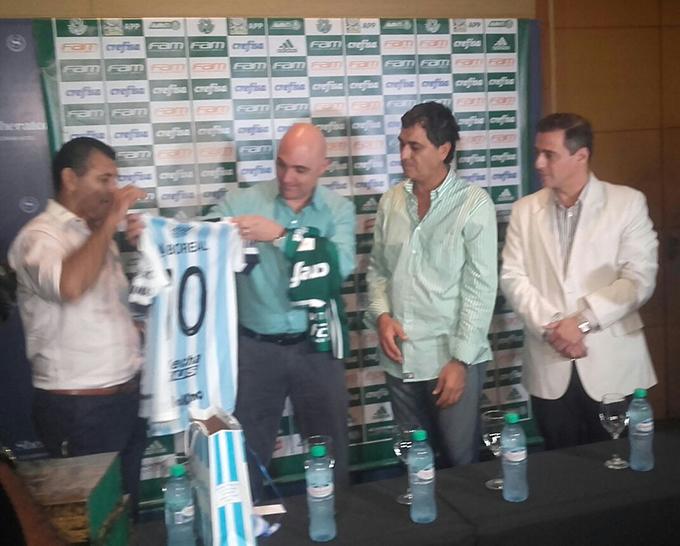 Los dirigentes de Atlético agasajaron a los del Palmeira