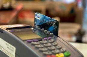 Desde mayo, todos los comercios deberán aceptar pagos con tarjetas de débito