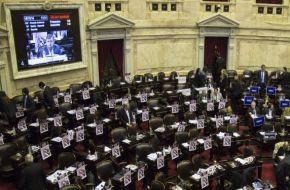 Fuertes críticas de la oposición al polémico acuerdo de Macri con el Correo