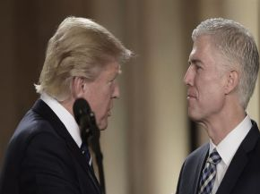 Trump nominó a conservador para restablecer mayoría favorable en la Corte Suprema