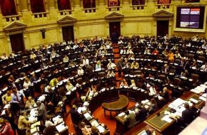 El Gobierno convocó a extraordinarias para debatir la ley de las ART