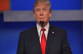"Trump le advirtió a Irán que ""está jugando con fuego"""