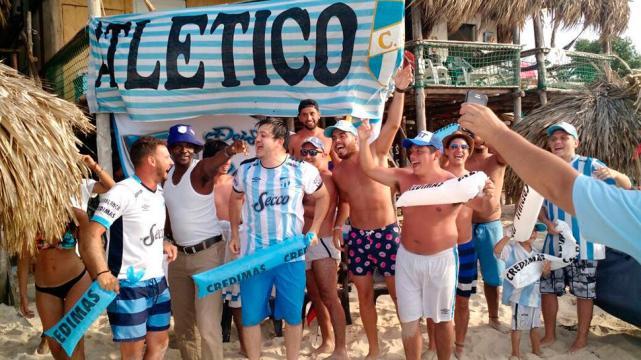 """Playa y a la cancha"""", es el plan de los hinchas de Atlético en Cartagena"""