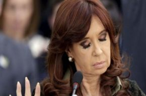 En medio de las escuchas, Cristina decidió suspender su viaje a Croacia