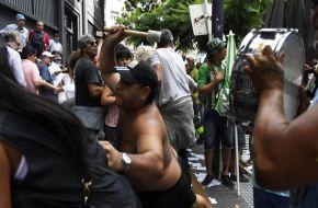 """""""¡Poné la fecha del paro!"""": gritos y empujones tras la marcha de la CGT"""