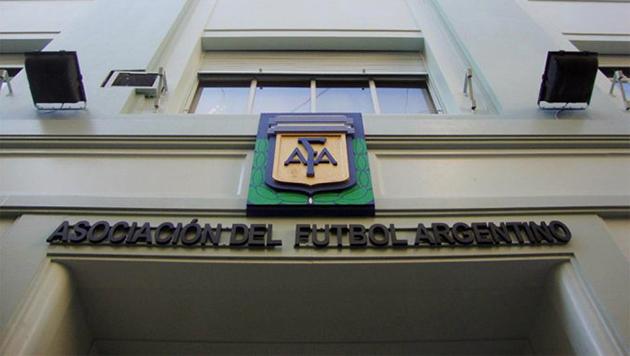 Sin acuerdo en AFA: se suspendieron los partidos de fútbol de este viernes