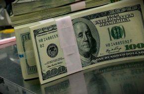 ¿Una sana costumbre?: el Gobierno viaja a Estados Unidos una vez por mes a tomar deuda