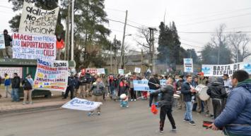 Adidas echa a 112 trabajadores en Echeverría y denuncian que puede haber otros 300 despidos