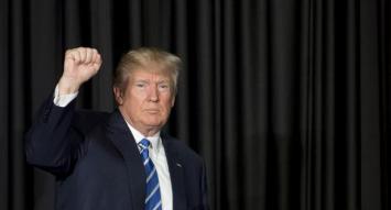 """Trump prometió una respuesta """"bastante dura"""" a Corea del Norte por el disparo del misil"""