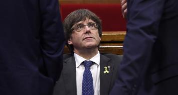 """Filtran mensajes del líder catalán Puigdemont: """"Esto de la independencia se terminó"""""""