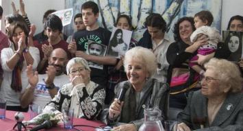 Las Abuelas de Plaza de Mayo recuperaron al nieto número 122
